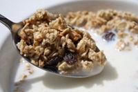 Granola breakfast cereal: a good source of vegetarian protein
